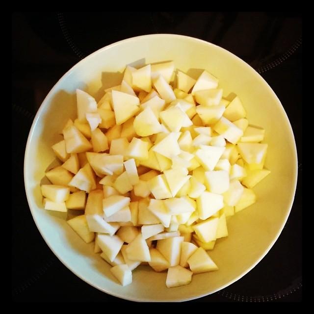Babykeks-Quizfrage. A Kinderbesuch B Schoko-Fondue oder C Apfelkuchen.
